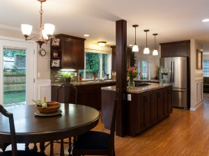 Redmond home for sale - eating, kitchen, family room