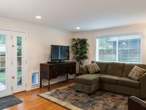 06-redmond-home-for-sale-family-room