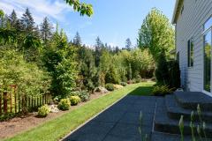 Redmond Ridge home sale backyard