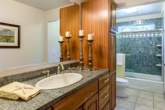 10-Bellevue-Meydenbauer-Home-For-Sale-Bathroom