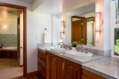19-Bellevue-Meydenbauer-Home-For-Sale-Master-Bath