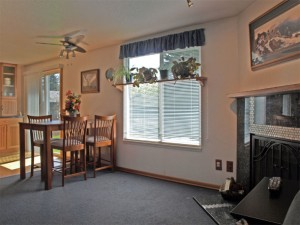 04-bothell-home-living-window-fireplace-eating-4968