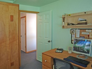 11-bothell-home-bed-computer-hallway-5012