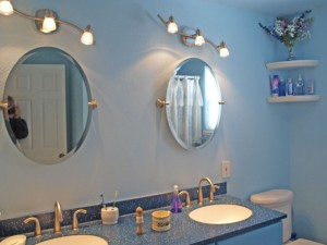 14-bothell-home-bath-reflection-5015