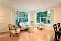 03-downtown-Redmond-condo-interior-living