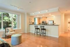 04-downtown-Redmond-condo-interior-living
