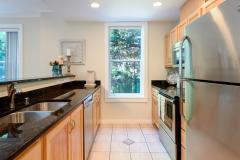 08-downtown-Redmond-condo-interior-kitchen