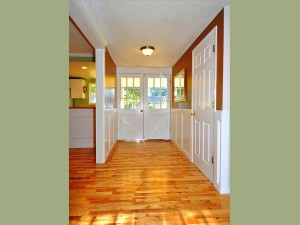 02-kirkland-home-for-sale-entry