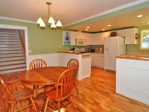 05-kirkland-home-for-sale-kitchen-to-upstairs-159