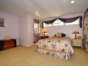 12-kirkland-home-for-sale-masterbed-in-133