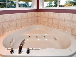 16-kirkland-home-for-sale-masterbath-jetted-tub-112