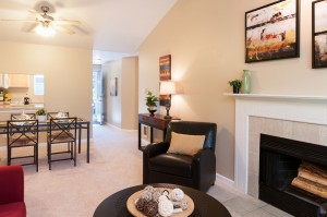 03-kirkland-condo-for-sale-living-entry