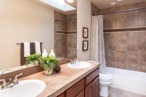 14-bathroom-hall