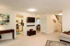 05-kirkland-juanita-townhouse-sale-98033-living-room-3