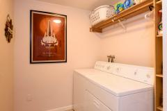 11-kirkland-juanita-townhouse-sale-98033-laundry-room