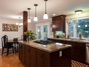 04-redmond-home-for-sale-kitchen-dining