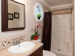 14-redmond-home-for-sale-master-bath