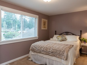 16-redmond-home-for-sale-upstairs-bedroom