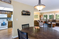 07-snohomish-home-for-sale-dining-kitchen-living