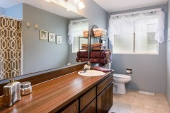 13-snohomish-home-for-sale-full-bathroom