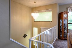 15-snohomish-home-for-sale-stairs-entry