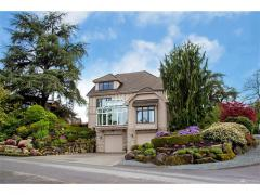 West Bellevue luxury home for sale garage