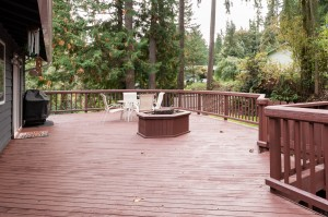 22-woodinville-cottage-lake-home-for-sale-deck